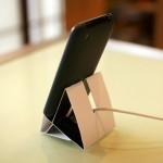 シルバーウィーク用プチ工作!ネットで話題のiPhone/iPod touch用ペーパースタンドキットで実際にiPhone用スタンドを作ってみました。