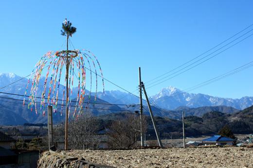 山梨県北杜市明野町のお爺ちゃんとお婆ちゃんのデザインセンスが際立つ!小正月行事「おやなぎさん」がとてもキレイ!