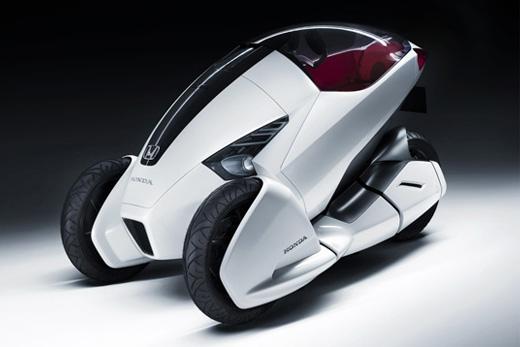 電動アシスト付き自転車の次はコレ!?ジュネーブ・モーターショーで披露されるホンダの一人乗りコンセプト電気3輪車「3R-C」。