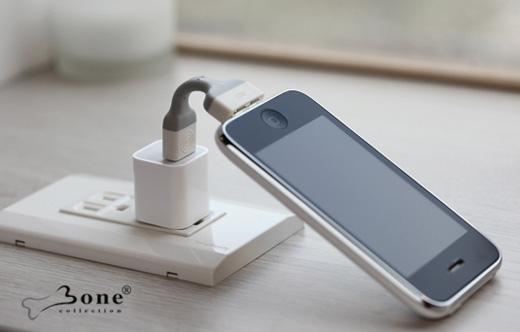 パソコン周りをシンプルにしたいiPhoneユーザー向き!iPhoneとパソコンをつなぐ便利アイテムリンクケーブル「Bone Link」。