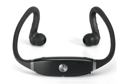 電車や徒歩時のイヤフォンもコードレスの時代なのね…iPhoneに似合うおしゃれでかっこいいモトローラBluetooth ワイヤレスヘッドセット「S9-HD」。