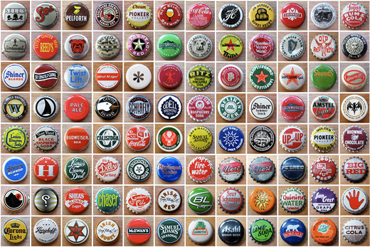 300個のジュース・ビール王冠(ボトル・キャップ)デザインコレクションをフリッカーにアップしてくれているアメリカのアーティストfragmentedさん。