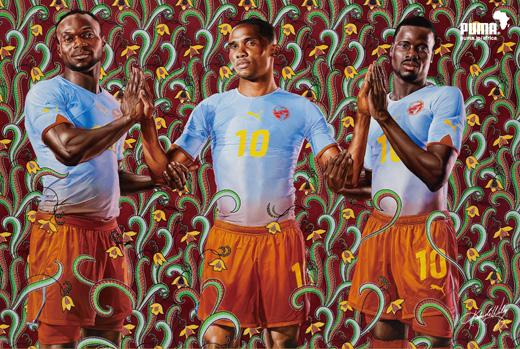 次回南アフリカワールドカップのプーマのキャンペーンポスターが原宿中の街角に!アフリカの空の青と大地の茶色を使ったカラーリング。