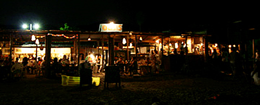 夜の海の家へ行こう!(神奈川)森戸海岸『オアシス』一色海岸『Blue moon』『UMIGOYA』