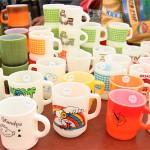 多種多様出店が面白い、七里ヶ浜フリーマーケット ! ファイヤーキング探し。うまいお茶の秘密。