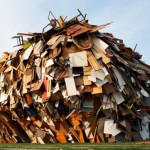 """瓦礫・廃棄物をそのままリサイクルして作った建築物が芸術的に美しい。ドイツ・ベルリンのデザイン会社""""Raumlabor""""がゲオルクビュヒナーに作った傑作。"""