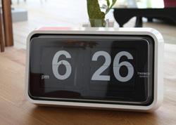 スクリーンセーバーを無料でパタパタ時計風にできる「Fliqlo」がいい感じ!