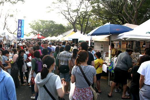 日本人観光客が全員集合してるんじゃないかと思うくらい大人気のKCCファーマーズマーケット Hawaii