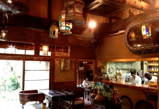 世田谷区弦巻にある、スペイン料理とモロッコ家具のお店「弦巻茶屋」に行って来ました。