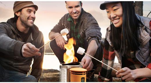 たき火の熱でスマホが充電できるバイオライトキャンプストーブ!トレッキングやロングトレイルに便利そう!