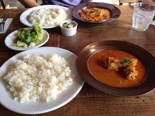 大磯市(おおいそいち)のあと、国道1号線沿いの「CHAIRO curry(チャイロカレー)」に行ってきました。