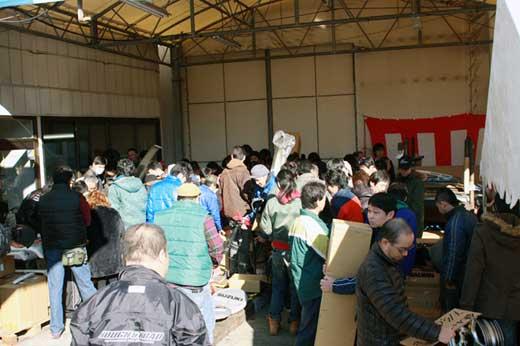 ジムニー好きは、2012年12月9日(日)神奈川県綾瀬市吉岡に集合!ジムニープロショップアピオのガレージセールが開催されます。