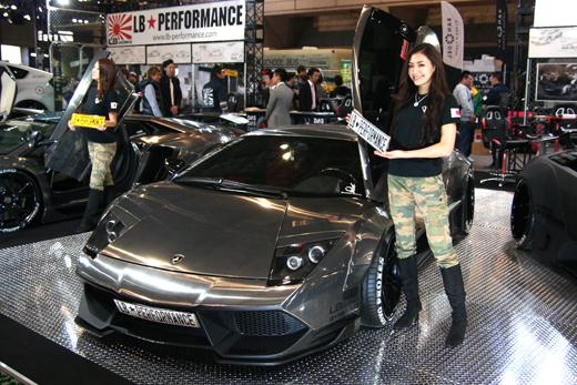 世界最大級のカスタムカーイベント「東京オートサロン2013」に行ってきました。ジムニーやHonda N-ONE、スーパーカーのカスタムカーなどなど。