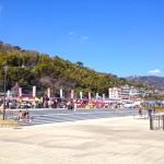 上多賀・長浜海浜公園で開催された「網代温泉ひもの祭り・如月ながはま特設市」に行ってきました。通常は網代・大縄公園で開催。