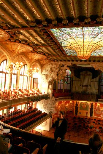 バルセロナにデザイン研修に行ってきた「建築家リュイス・ドゥメナク・イ・ムンタネー」篇〜カタルーニャ音楽堂、サン・パウ病院が美しかった。